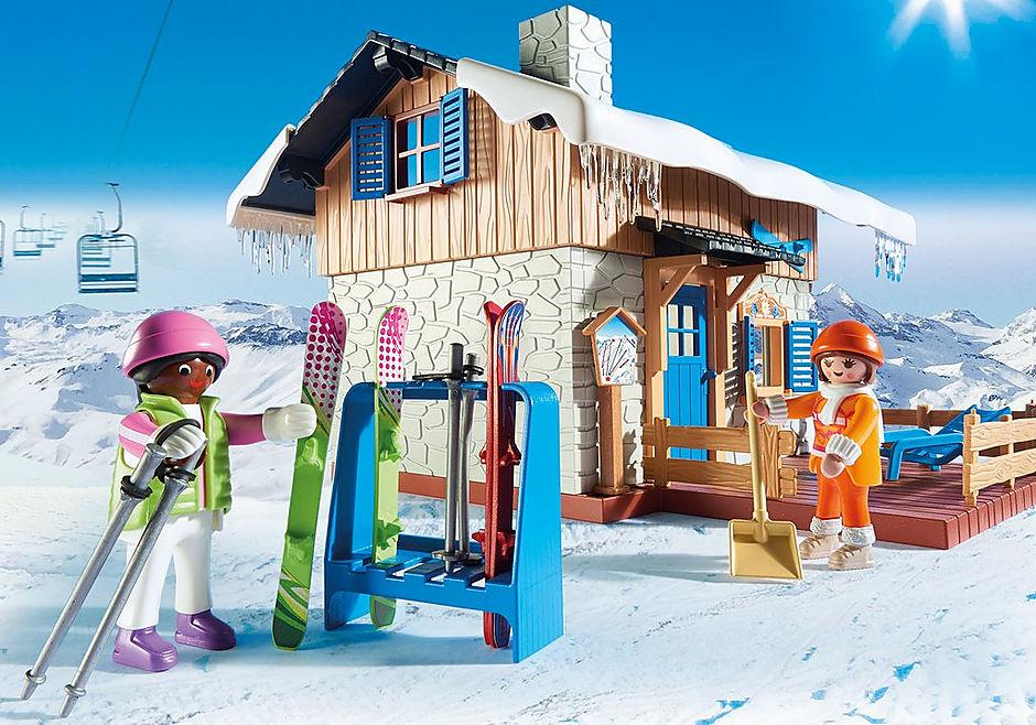 9280 Chalet avec skieurs  detail image 8