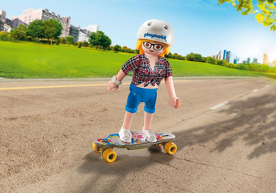 9338 Longboard skater detail image 1