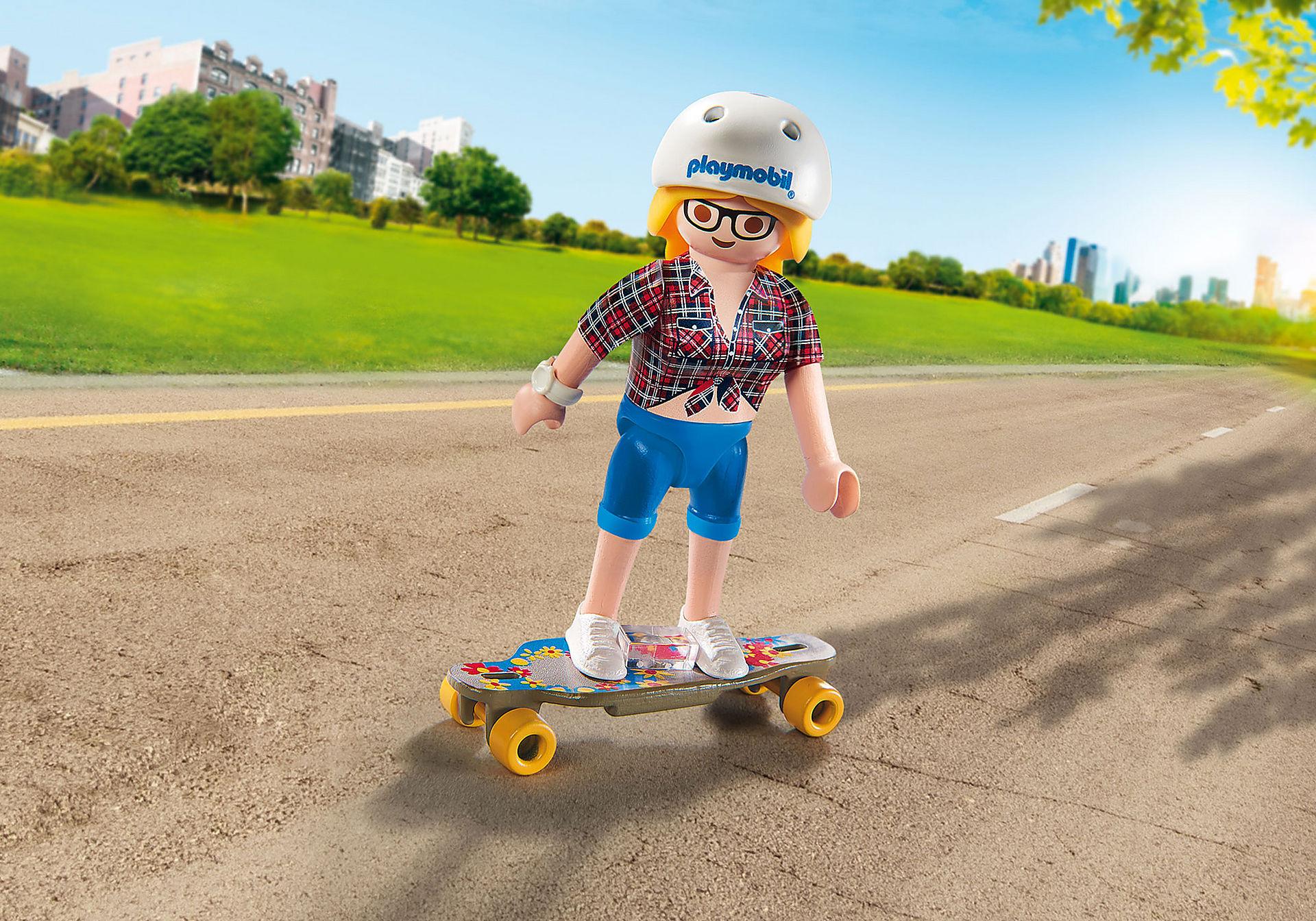 9338 Teenie mit Longboard zoom image1