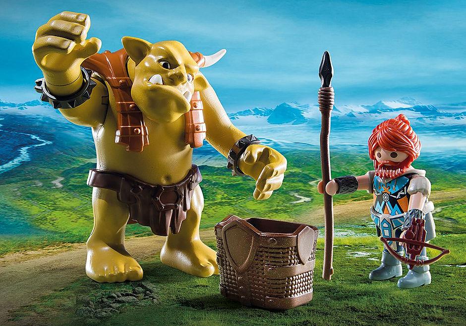 http://media.playmobil.com/i/playmobil/9343_product_extra1/Gigante troll com lutador anão