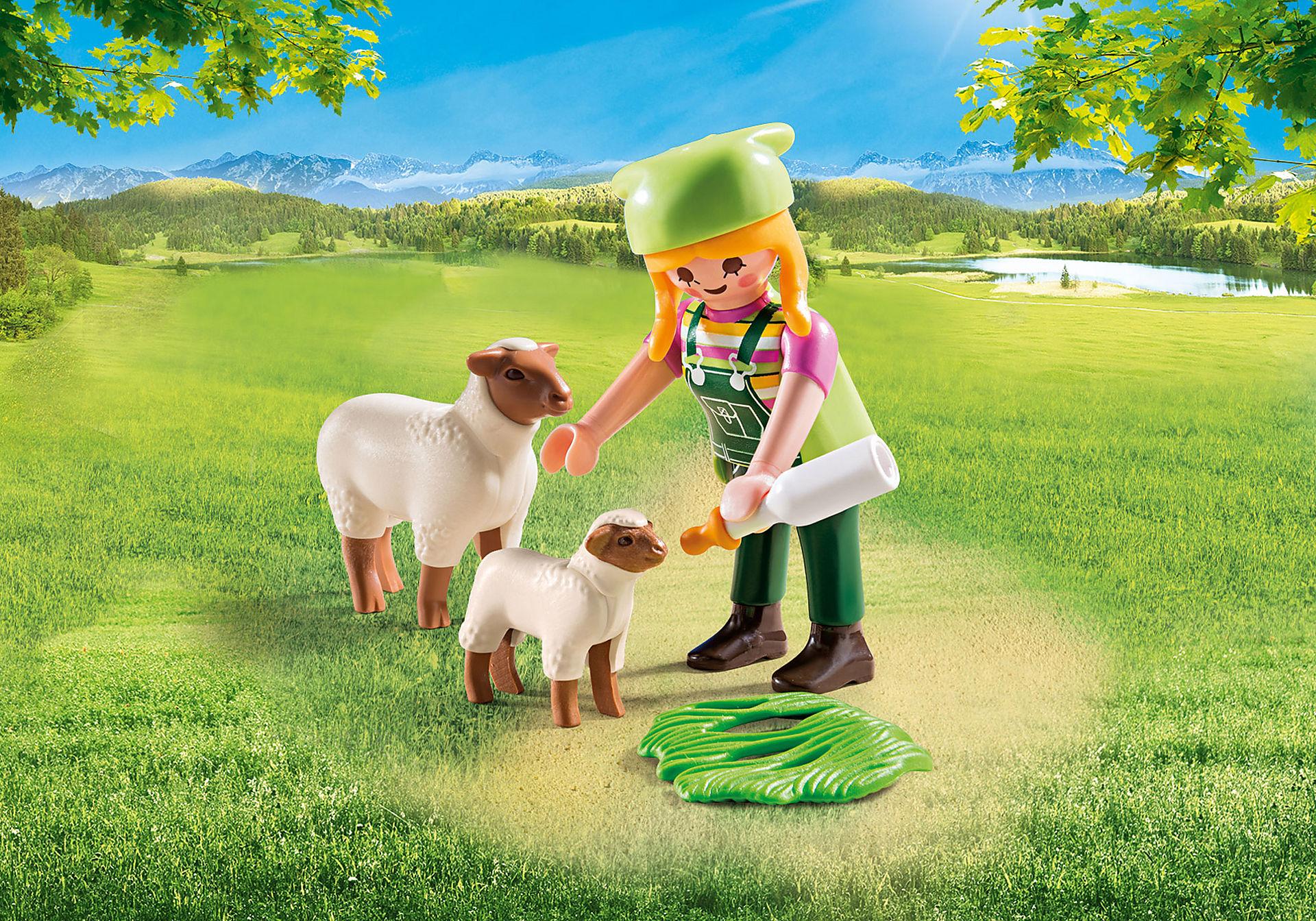 9356 Fermière avec moutons  zoom image1
