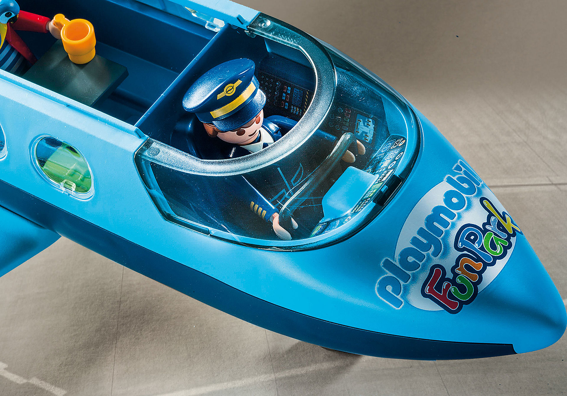 9366 PLAYMOBIL-FunPark Summer Jet zoom image6
