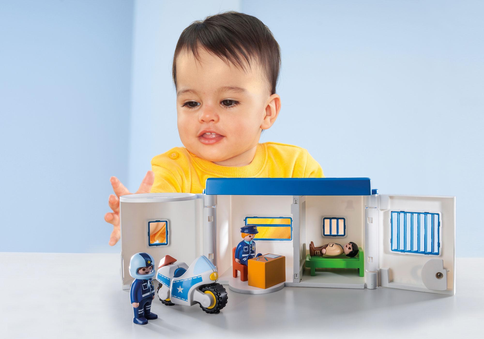 http://media.playmobil.com/i/playmobil/9382_product_extra1/Meine Mitnehm-Polizeistation