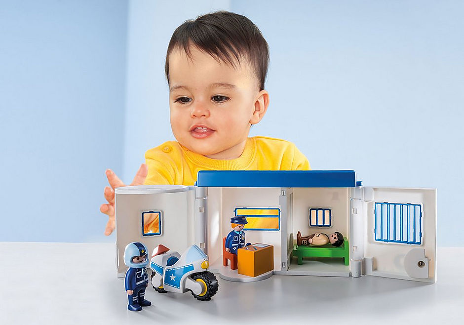 http://media.playmobil.com/i/playmobil/9382_product_extra1/Take Along Police Station
