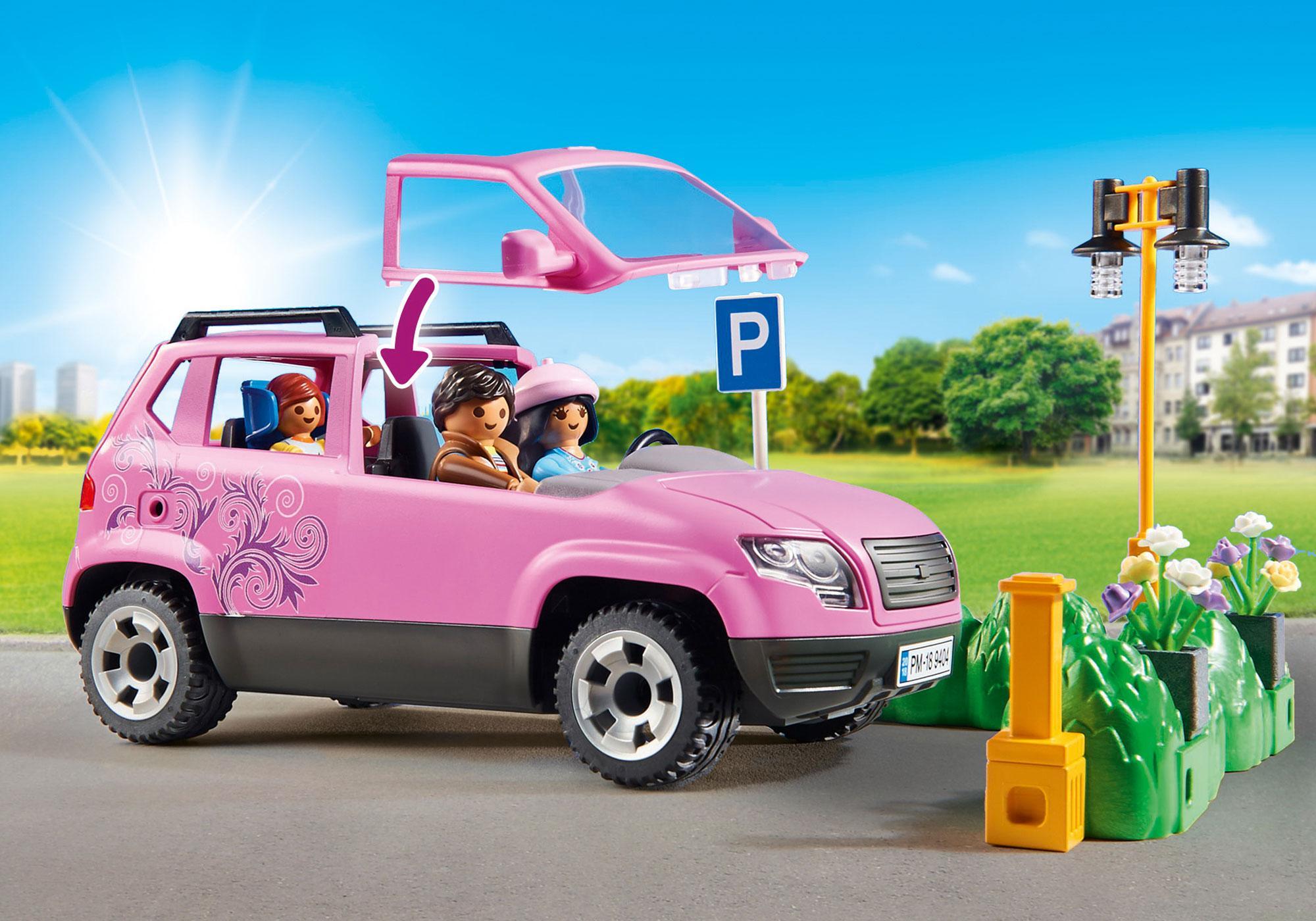 http://media.playmobil.com/i/playmobil/9404_product_extra2/Samochód rodzinny z zatoczką parkingową