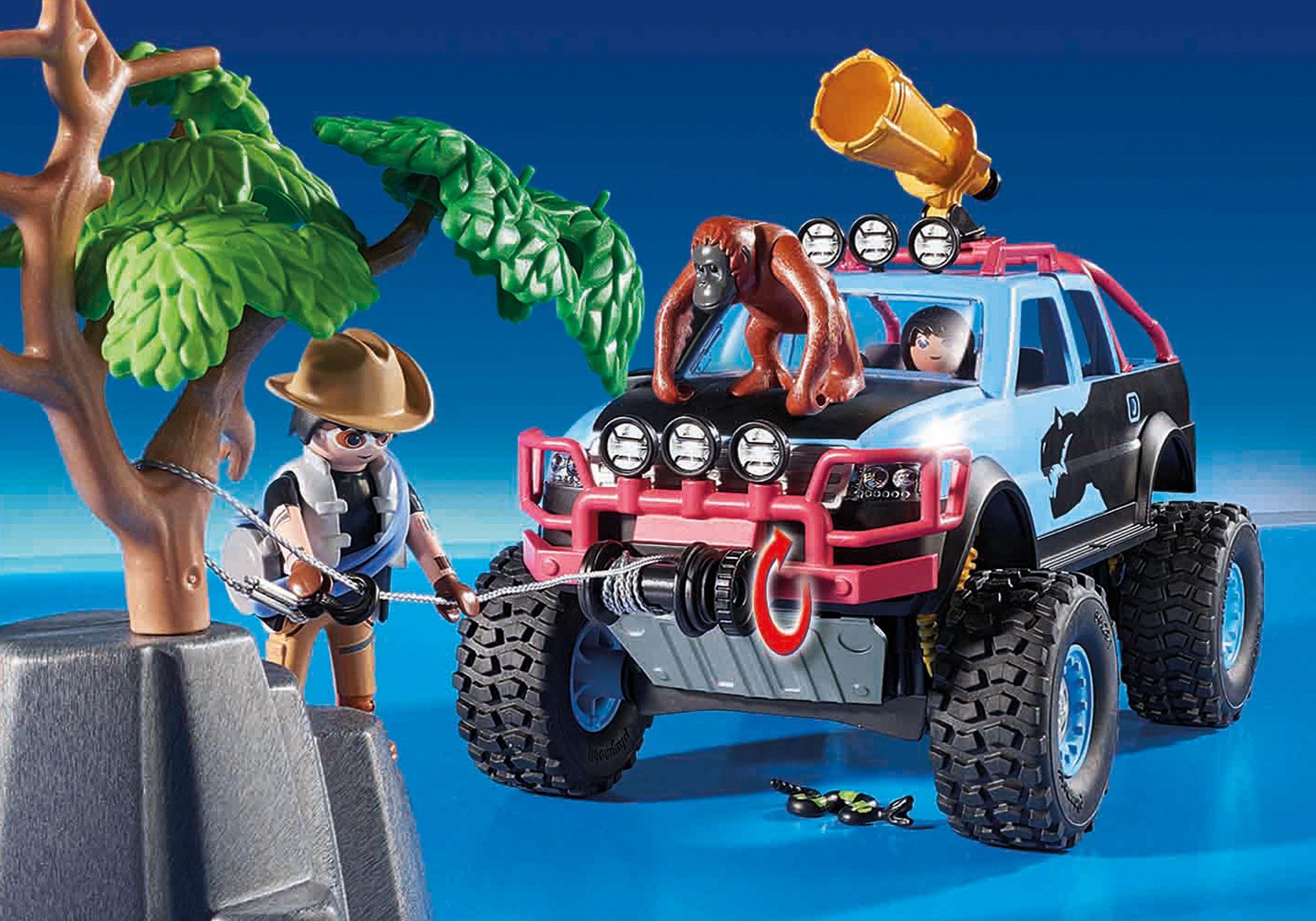 http://media.playmobil.com/i/playmobil/9407_product_extra2