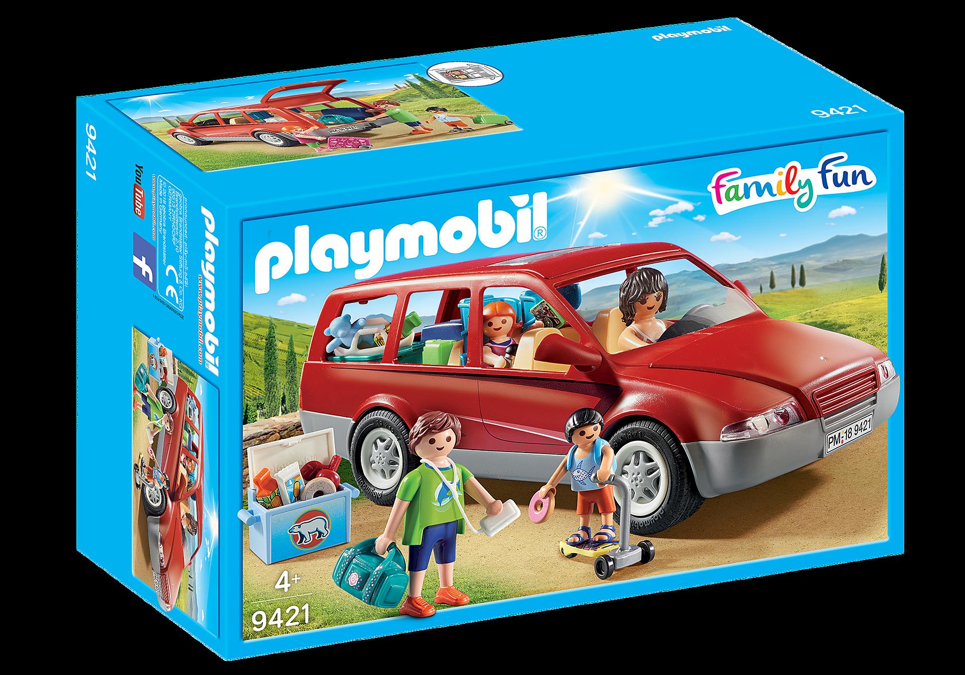 9421 Famille avec voiture  zoom image3