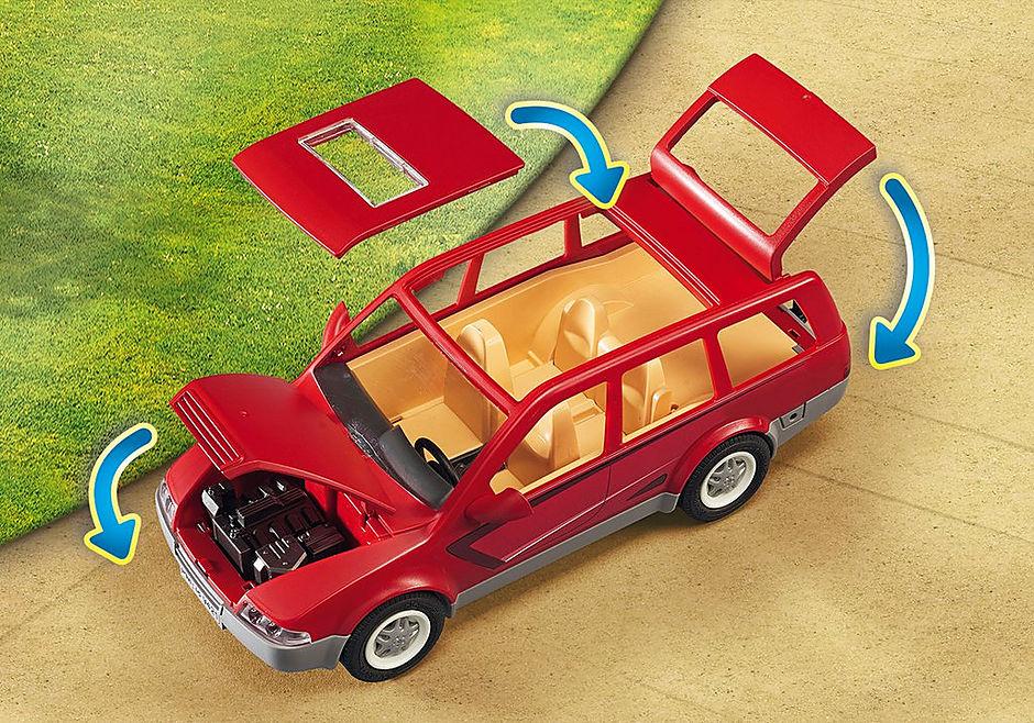 9421 Famille avec voiture  detail image 6