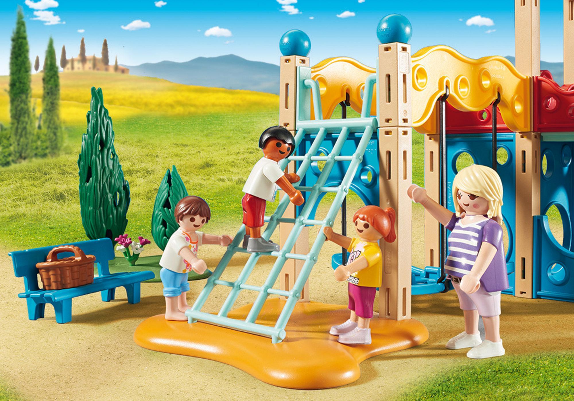 http://media.playmobil.com/i/playmobil/9423_product_extra1/Parc de jeu avec toboggan