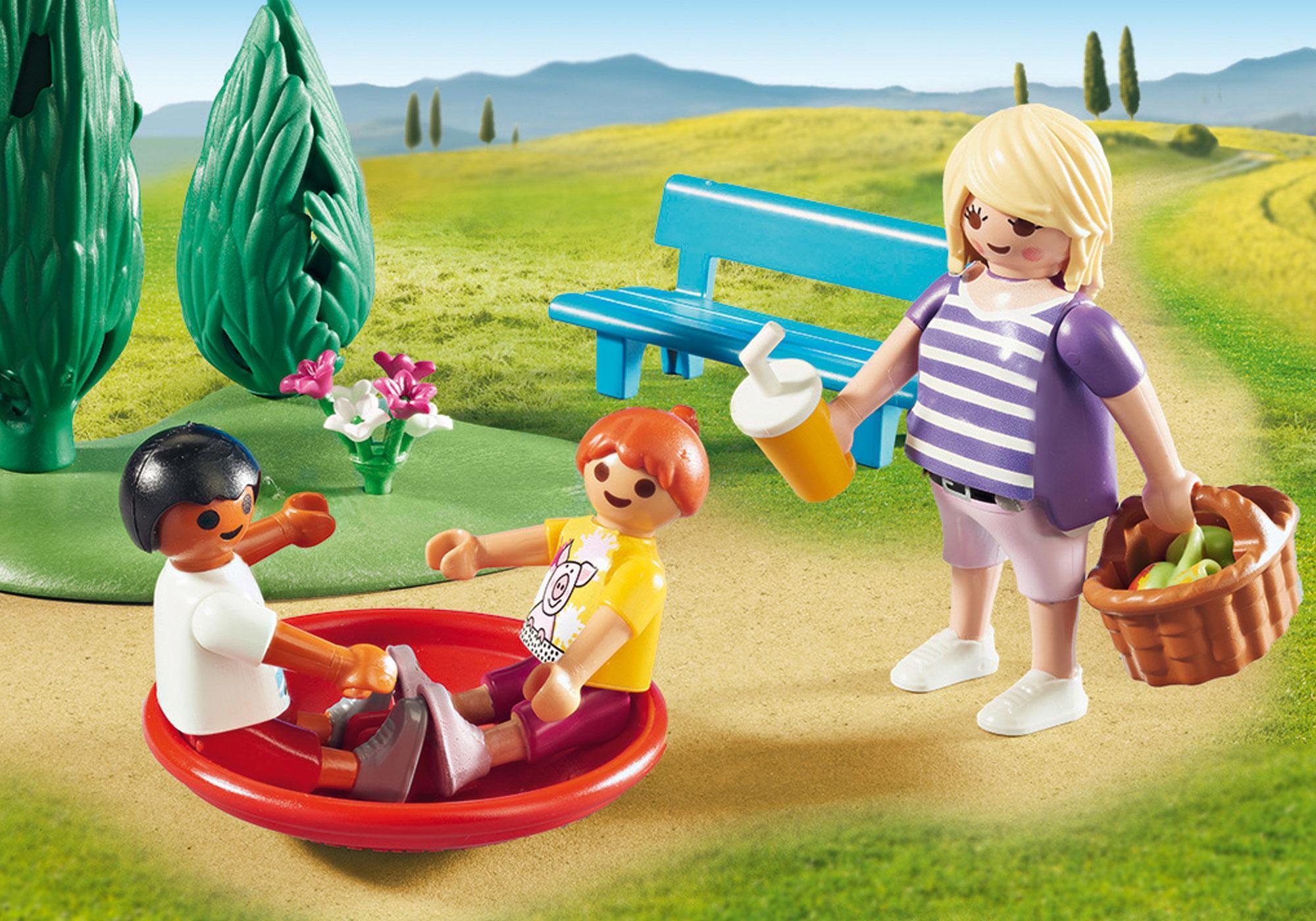 http://media.playmobil.com/i/playmobil/9423_product_extra2/Parc de jeu avec toboggan