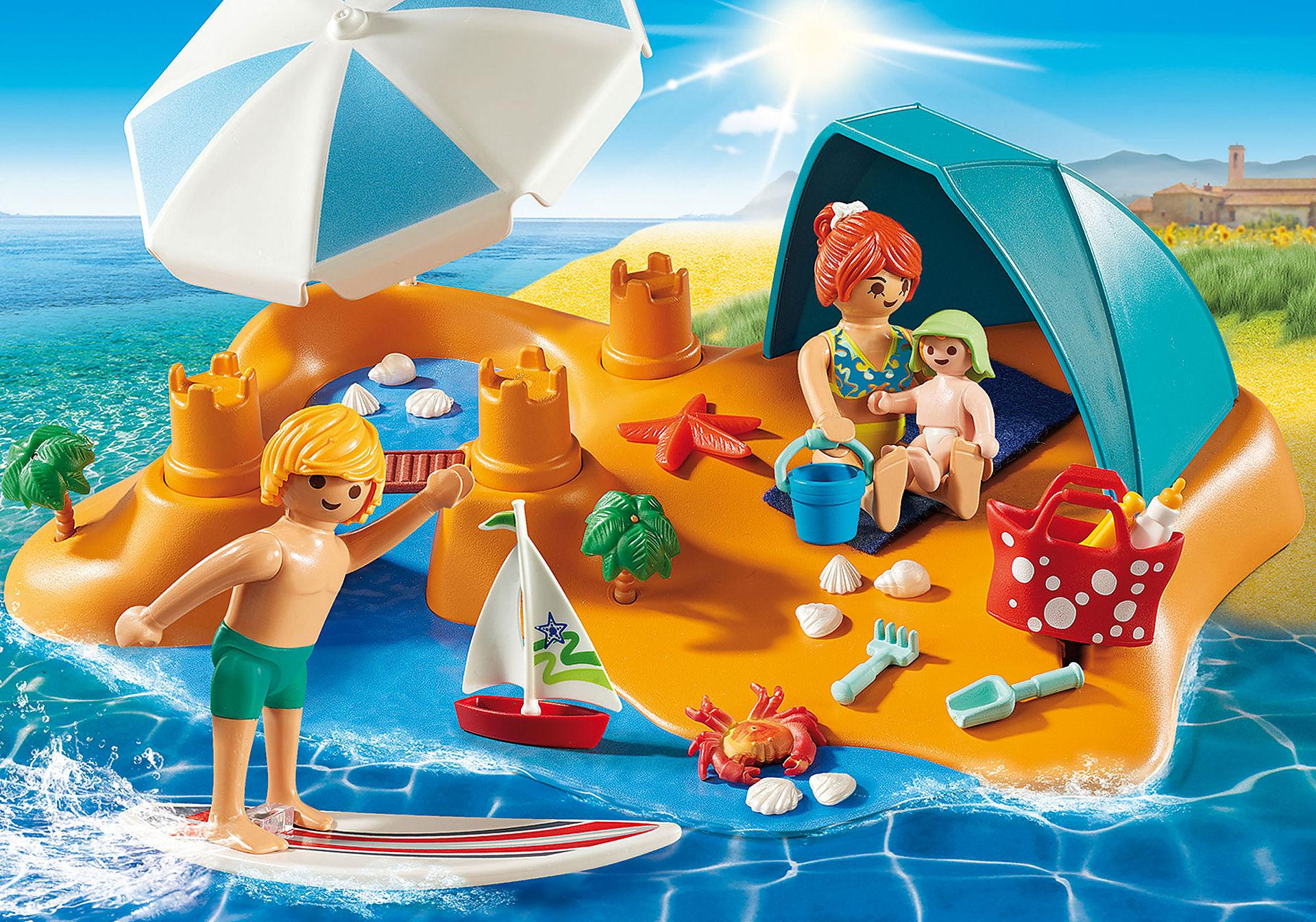 9425 Familie aan het strand  zoom image1