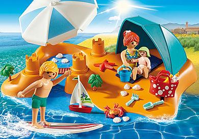 9425 Familj på stranden
