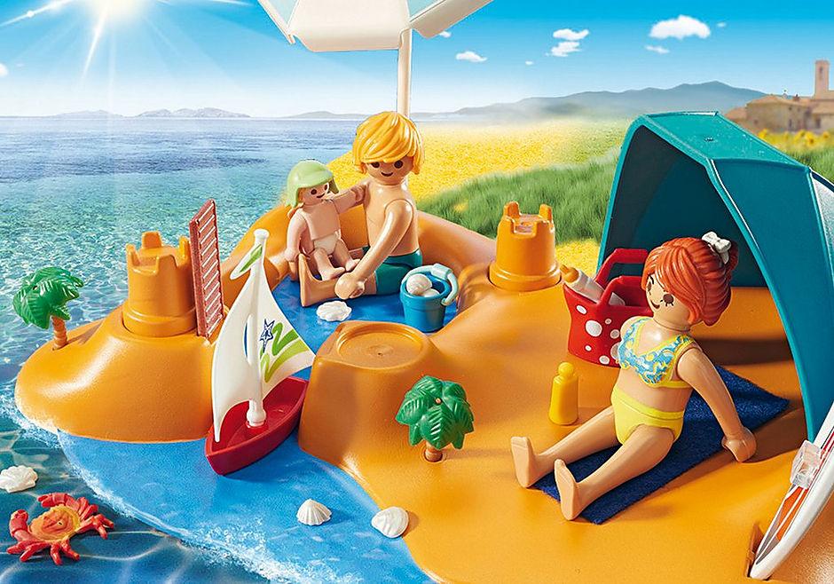 9425 Familie på stranden detail image 6