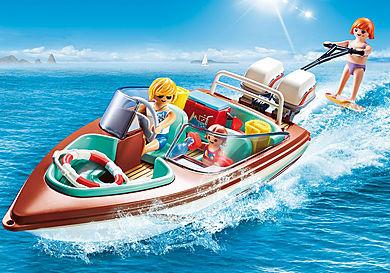 9428 Vacanciers avec vedette et moteur submersible