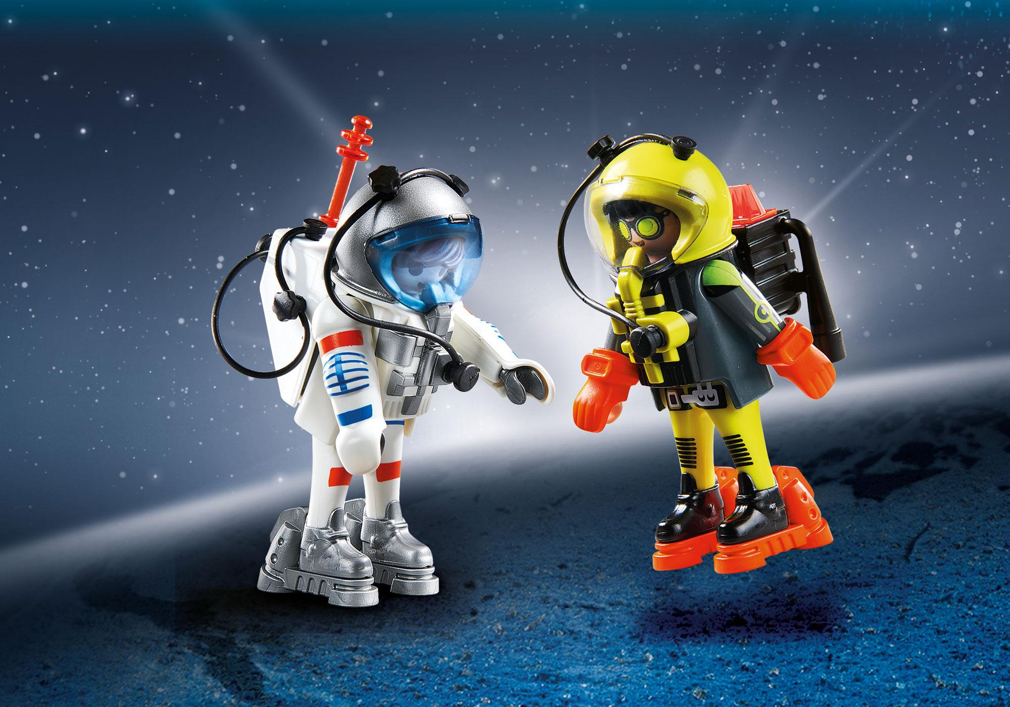 http://media.playmobil.com/i/playmobil/9448_product_detail/Duo Pack Space Heroes