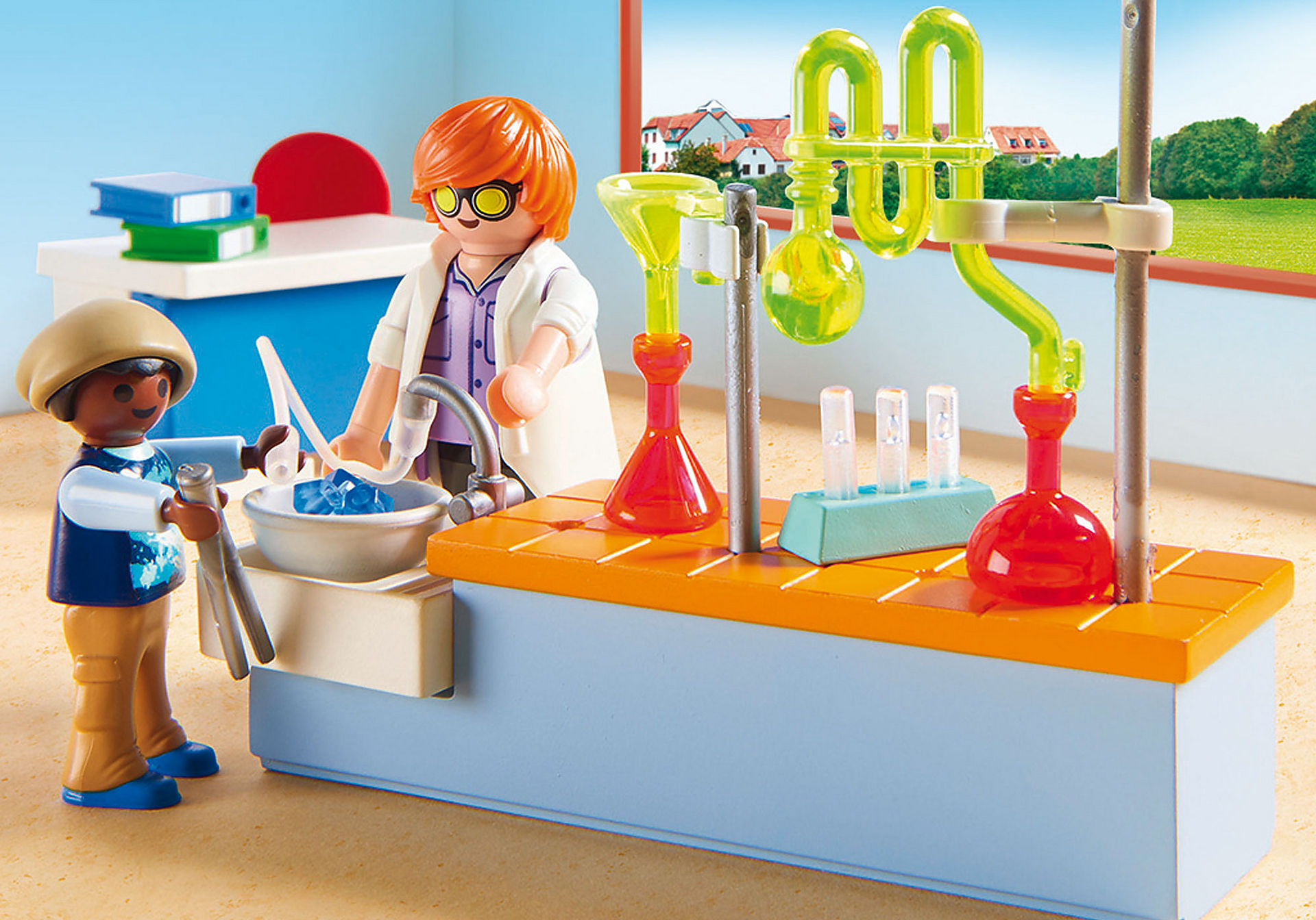 http://media.playmobil.com/i/playmobil/9456_product_extra1/Classe de Physique Chimie