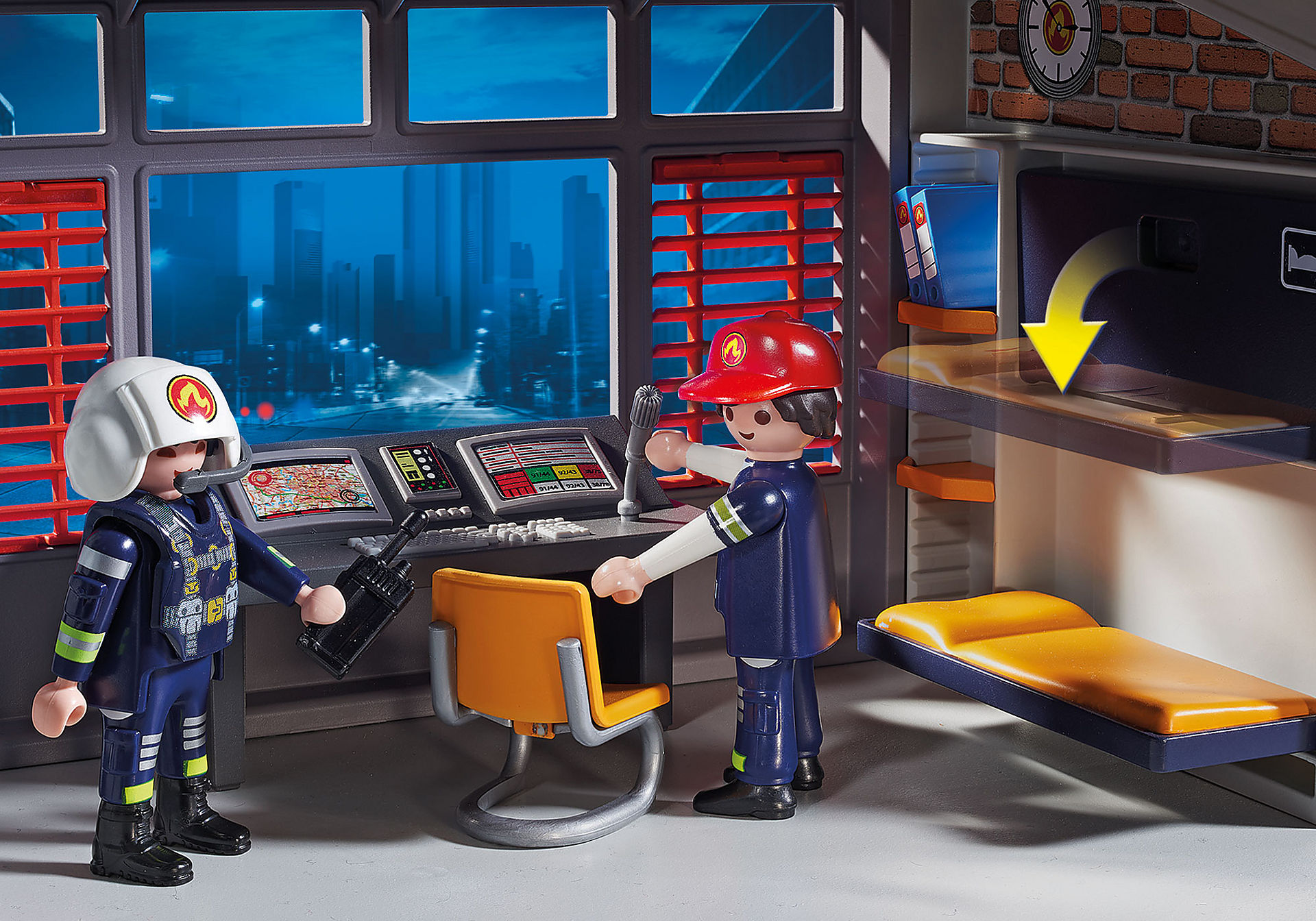 9462 Caserne de pompiers avec hélicoptère  zoom image6