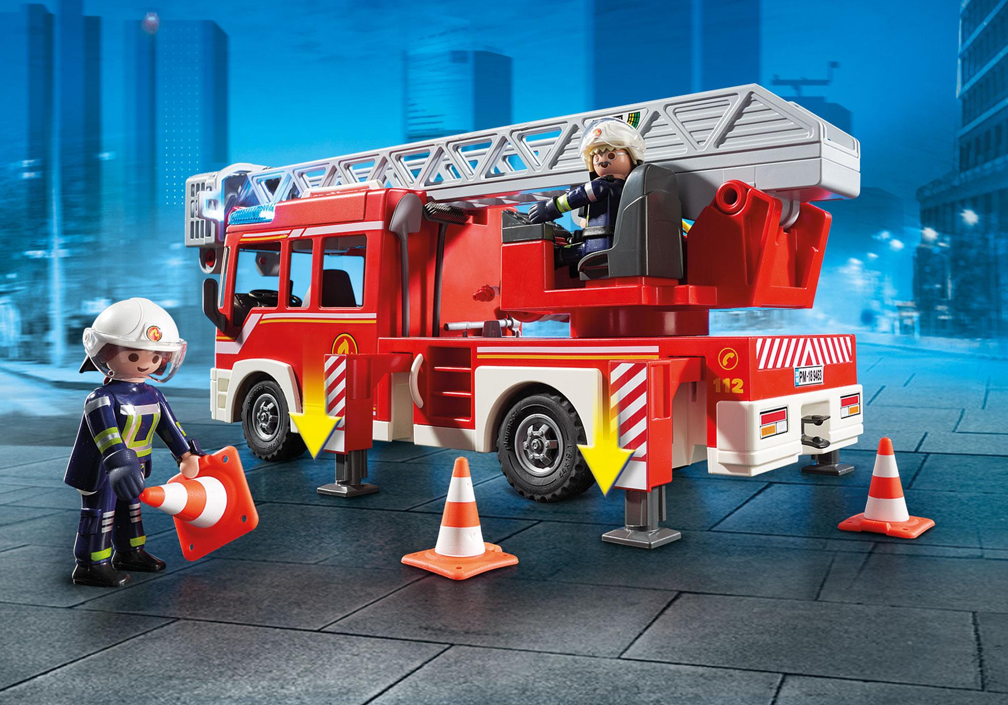 http://media.playmobil.com/i/playmobil/9463_product_extra2/Samochód strażacki z drabiną