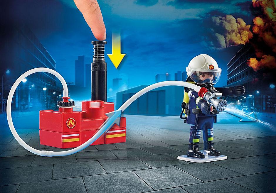 9468 Brandmænd med vandpumpe detail image 5