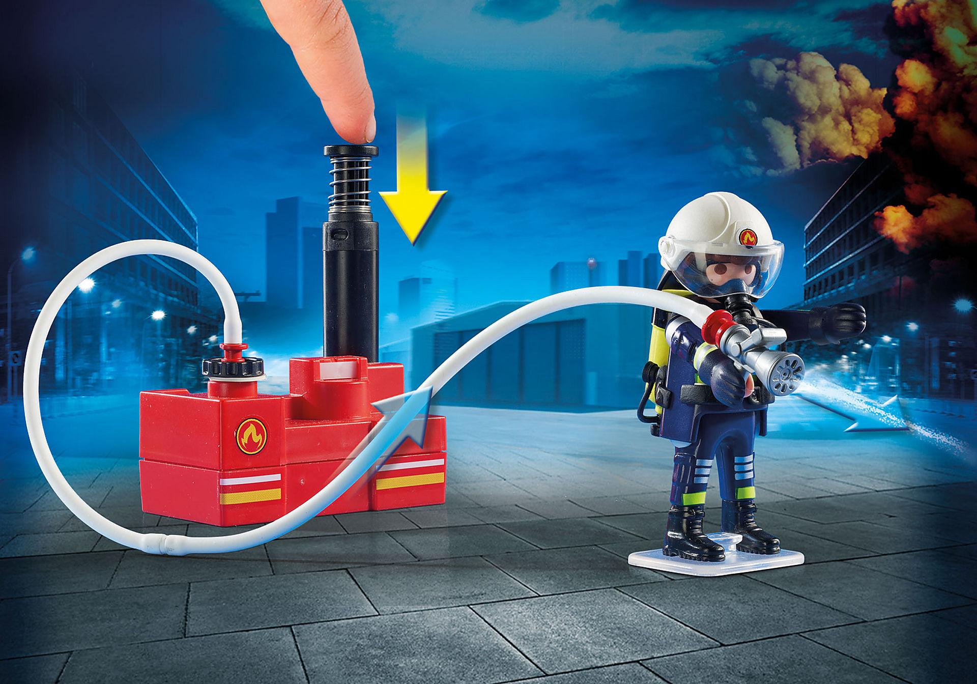 9468 Squadra dei Vigili del Fuoco con pompa d'acqua zoom image5