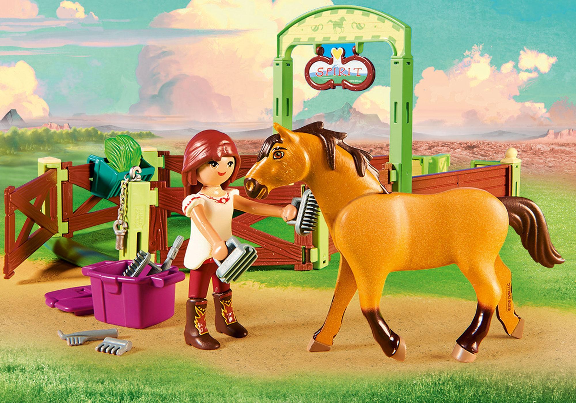 """http://media.playmobil.com/i/playmobil/9478_product_extra1/Hästbox """"Lucky och Spirit"""""""