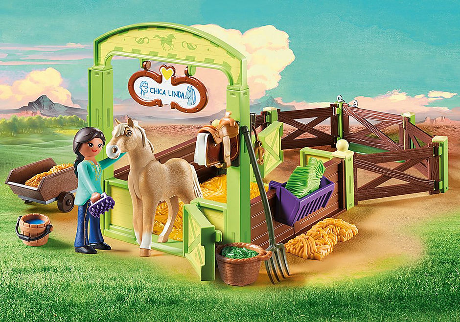 9479 Pru & Chica Linda with Horse Stall detail image 1