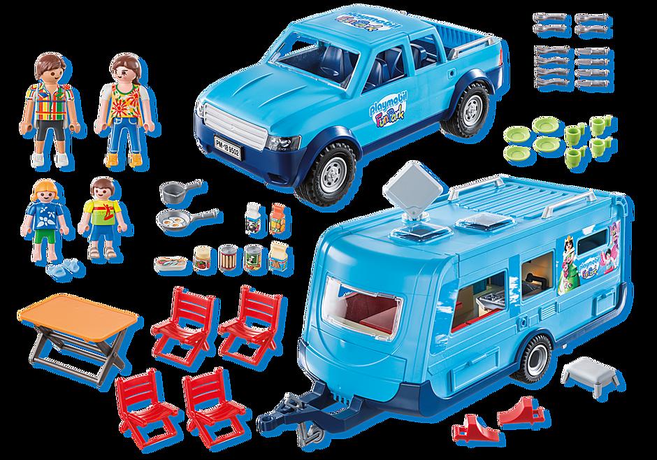 9502 Famille avec voiture et caravane detail image 3