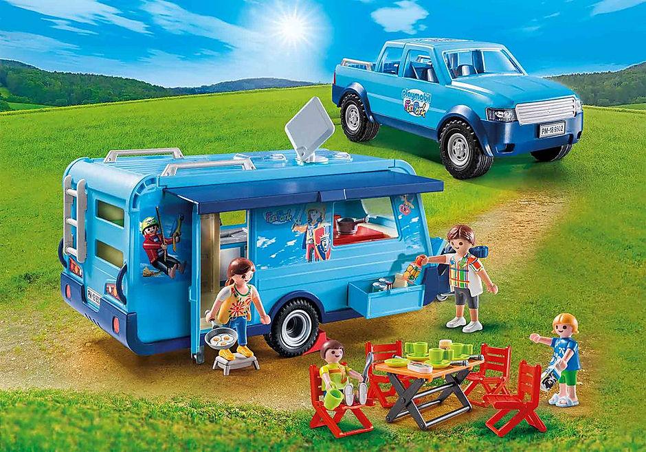 9502 Famille avec voiture et caravane detail image 1