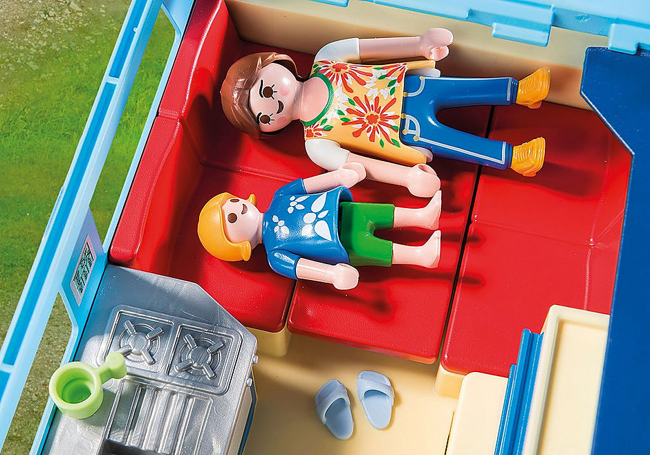 9502 PLAYMOBIL-FunPark Pickup with Camper detail image 6