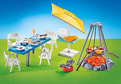 9818 Churrasqueira com mesa, cadeiras e chapéu de sol