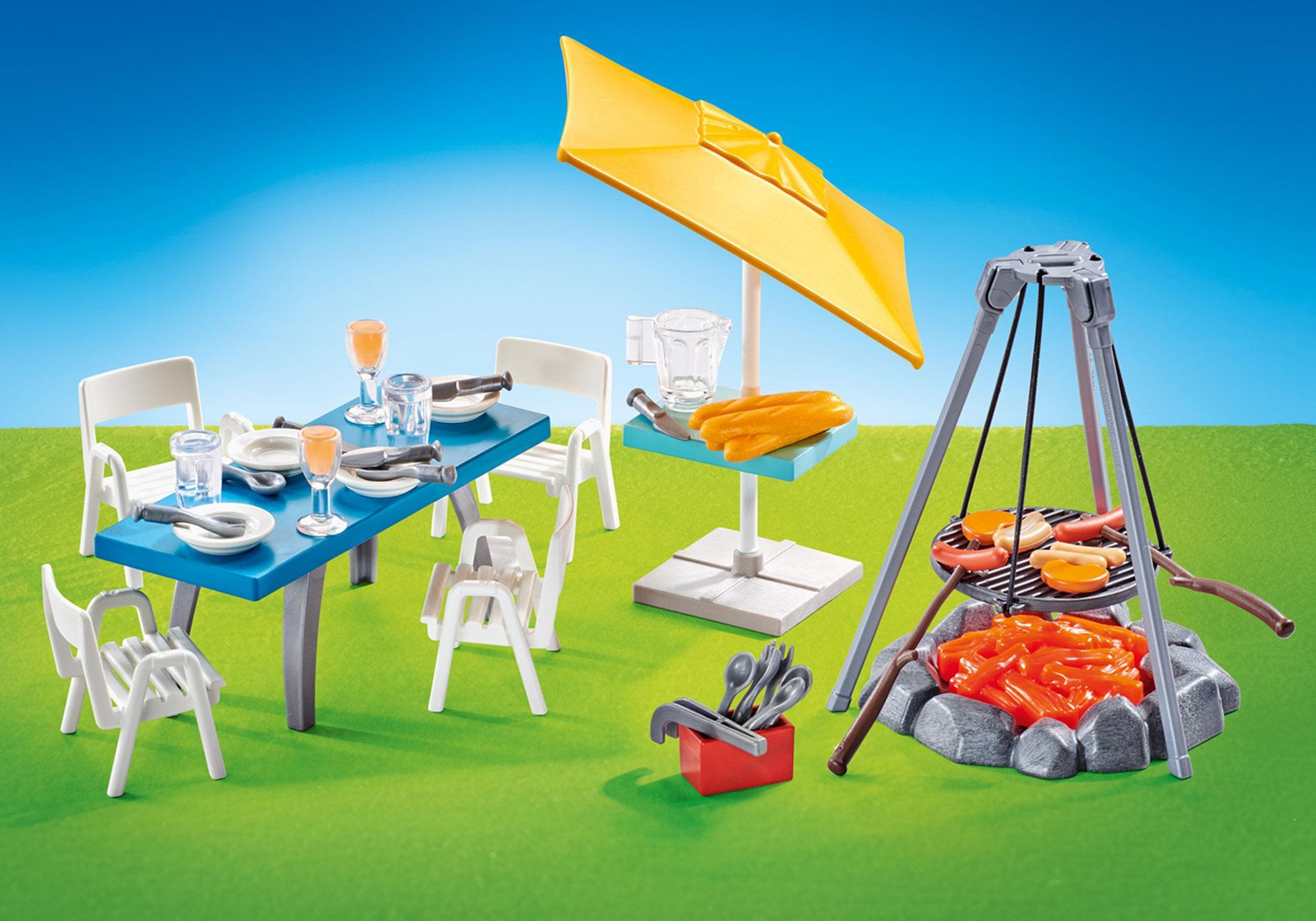 http://media.playmobil.com/i/playmobil/9818_product_detail/Churrasqueira com mesa, cadeiras e chapéu de sol