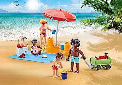 9819 Család a strandon