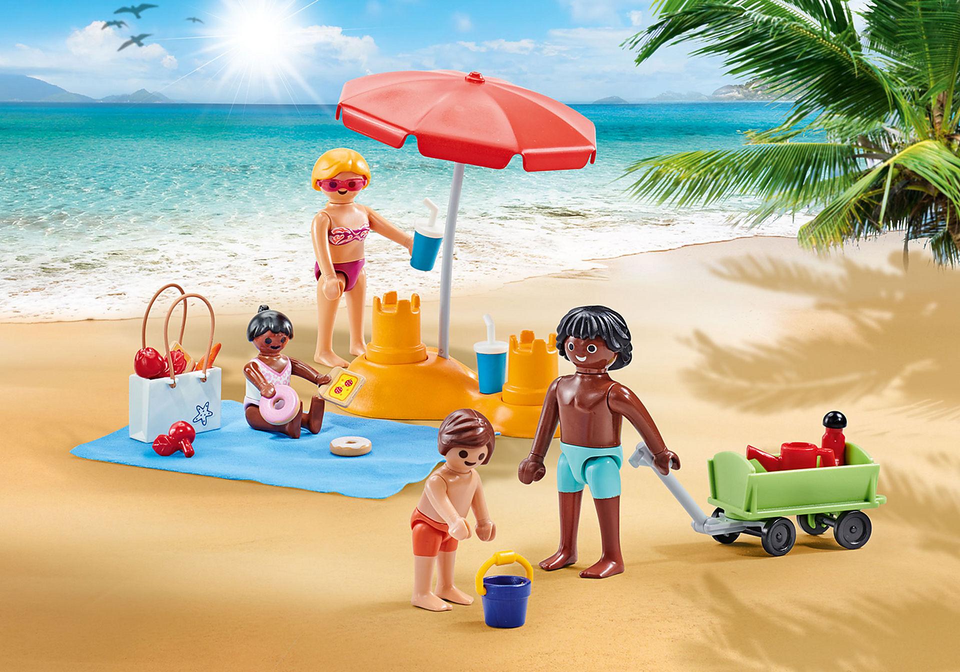 9819 Familie op het strand zoom image1