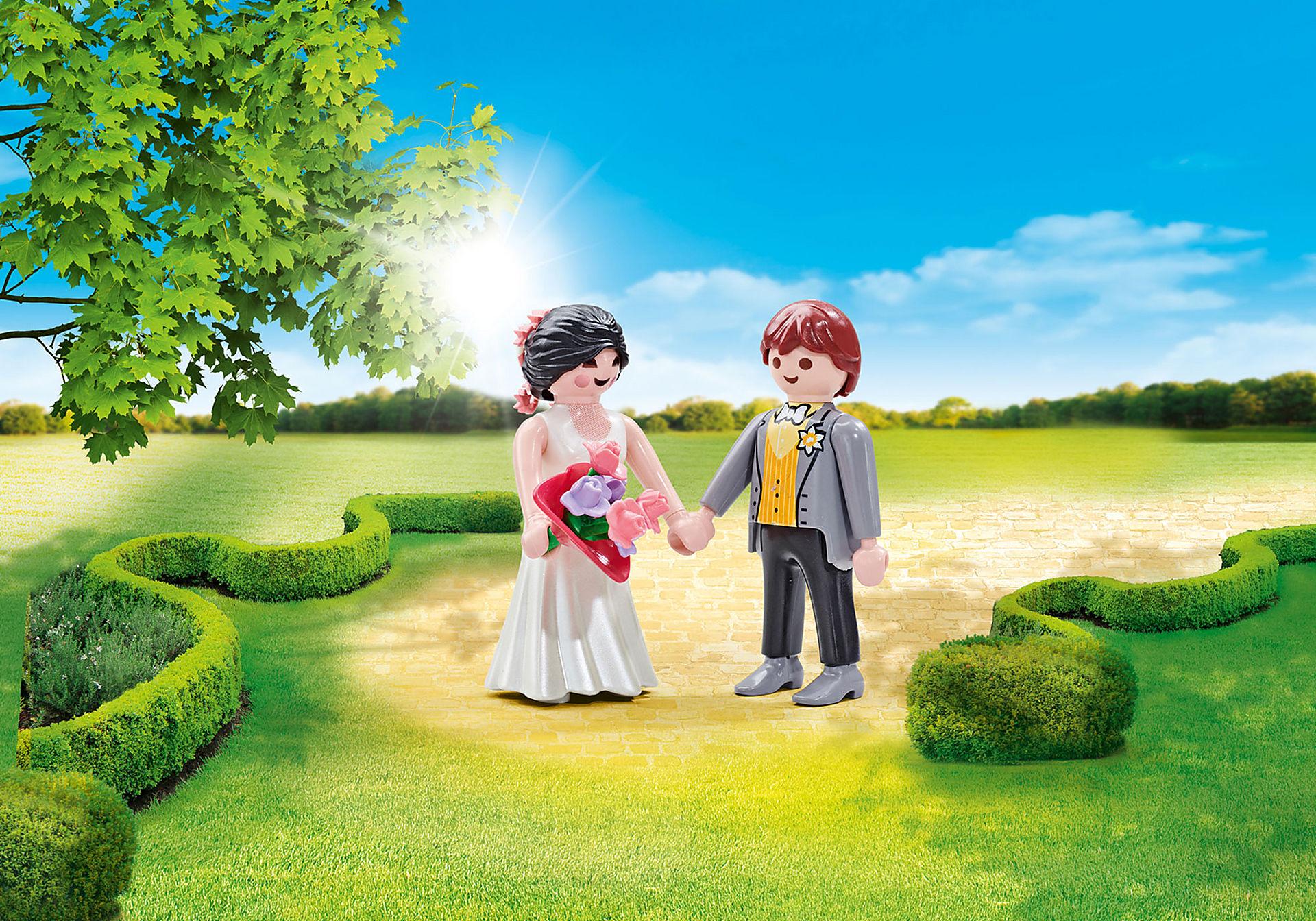 9820 Coppia di sposi con abiti nuziali zoom image1