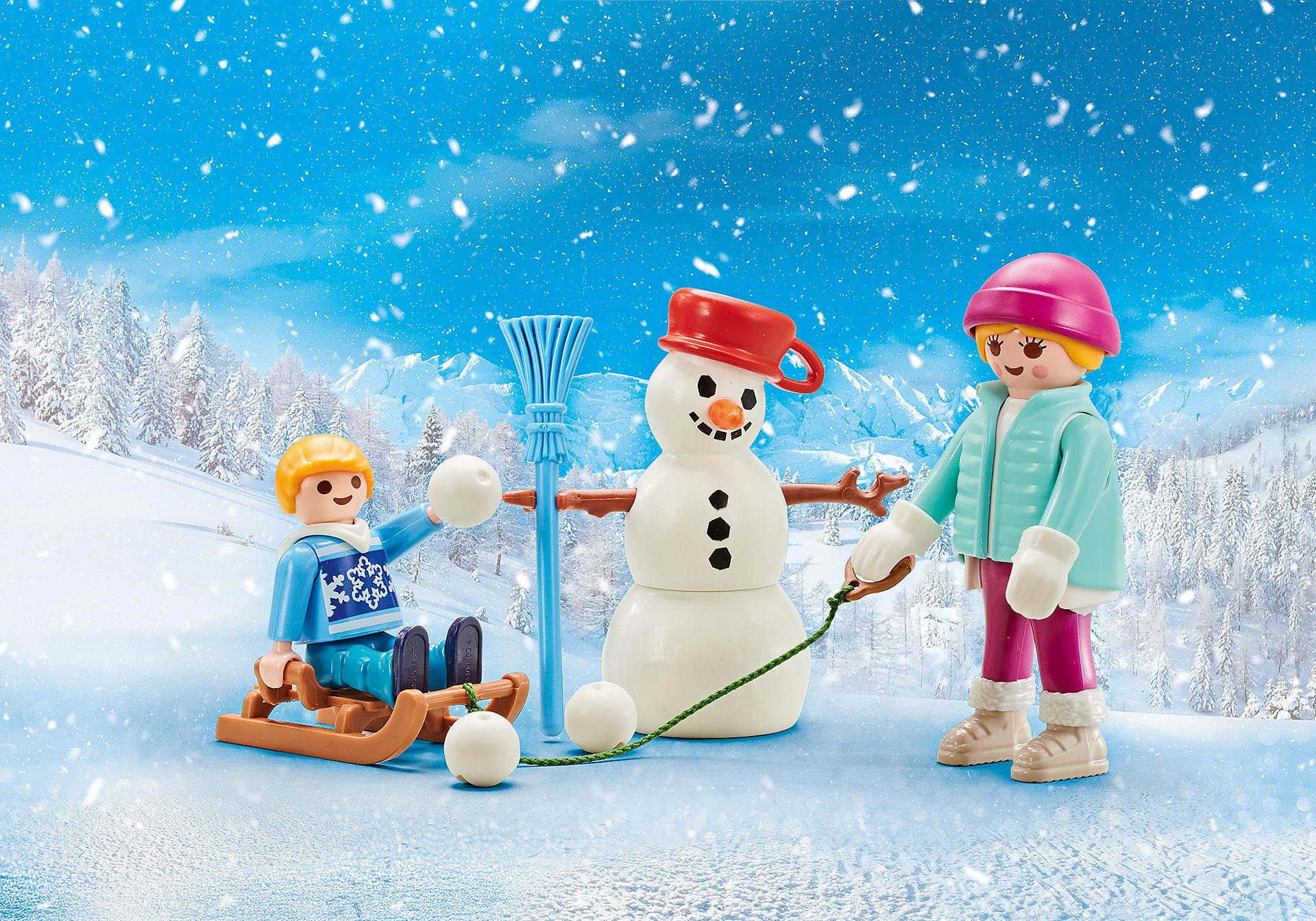 9864 Enfant avec luge d'hiver  zoom image1
