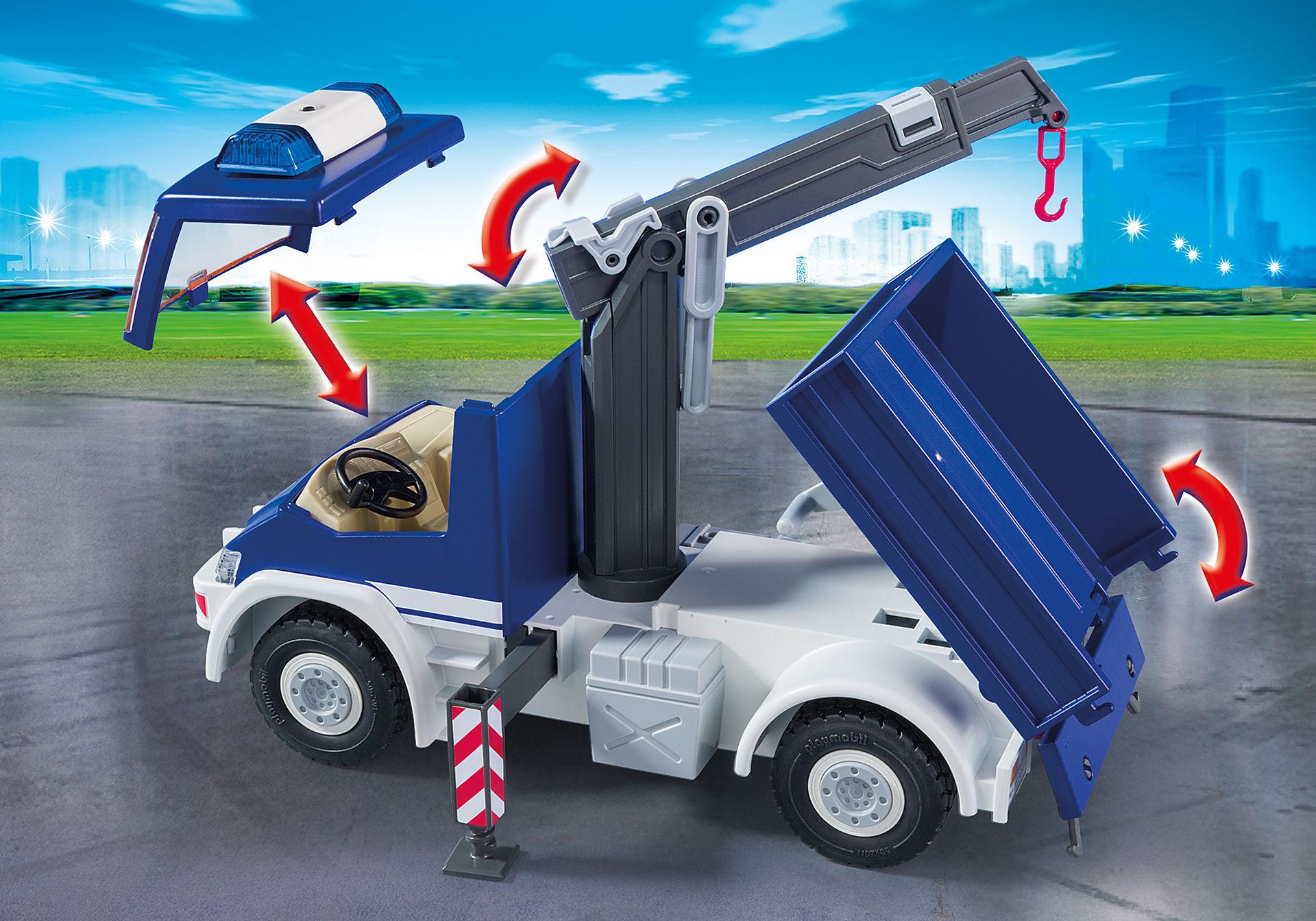 9880 Equipe de secouristes avec camion et bateau zoom image4