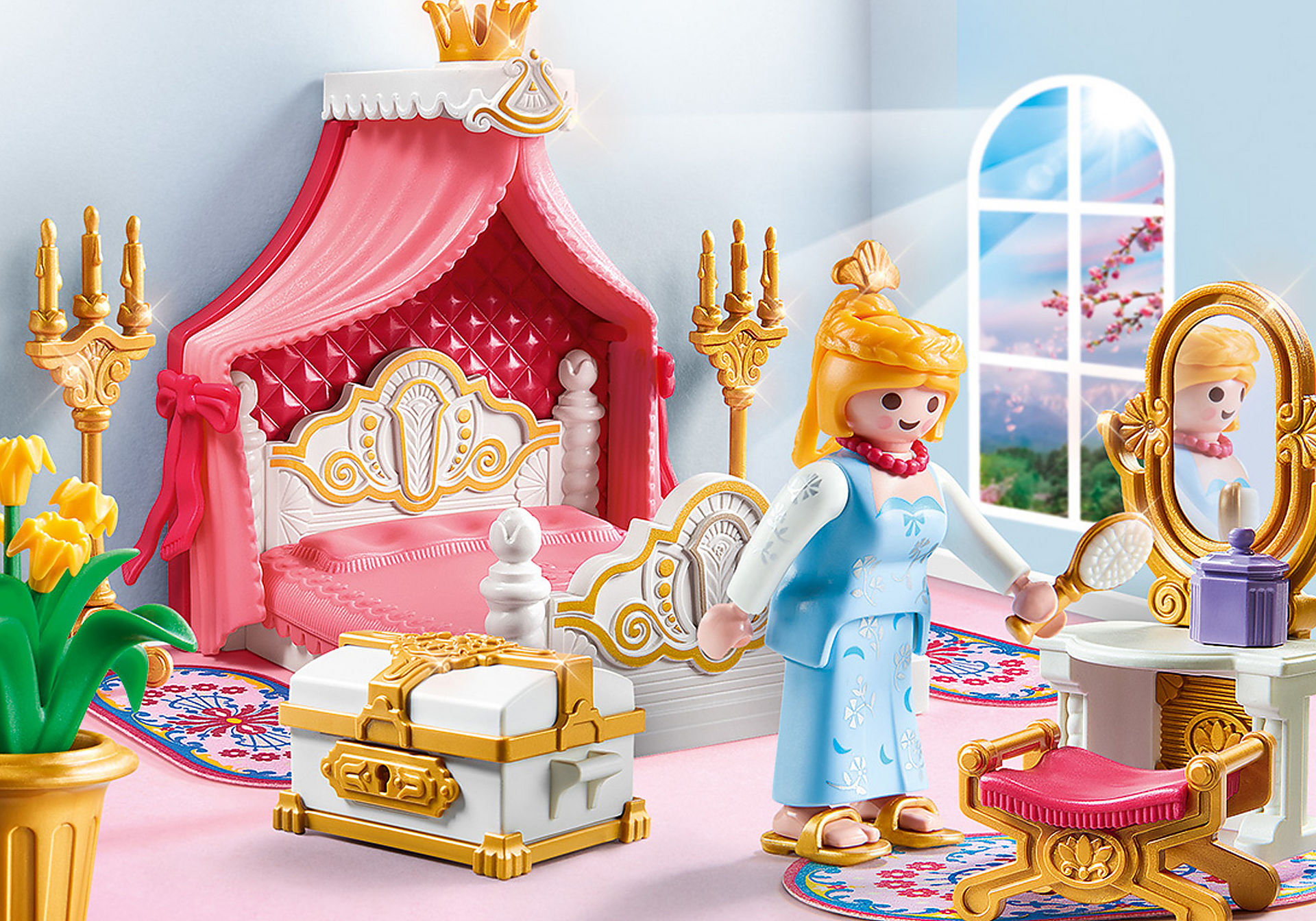 9889 Royal Bed Chamber zoom image1