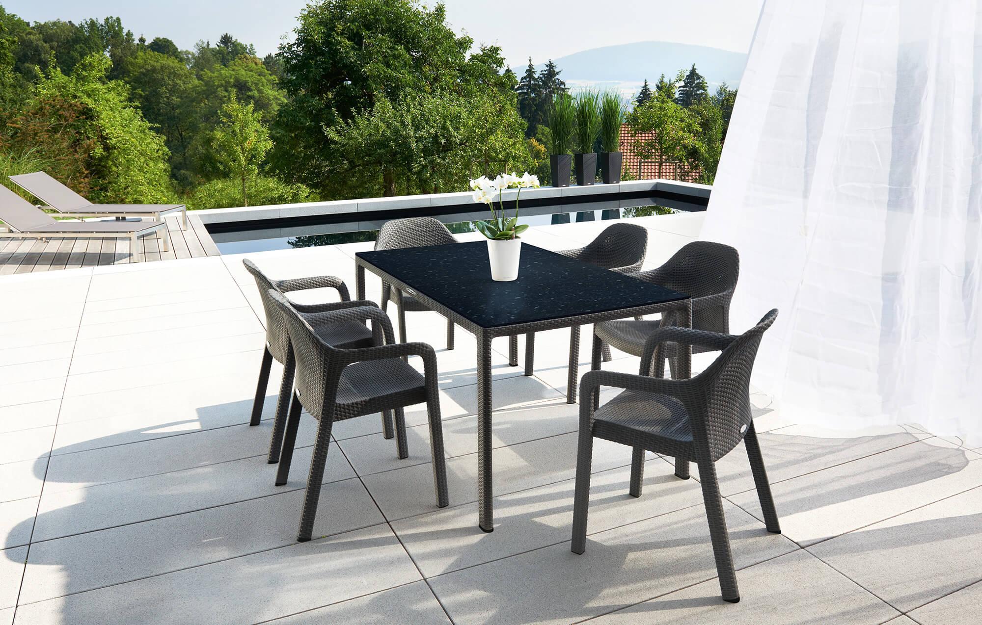 LECHUZA muebles de jardín cómodos y con estilo